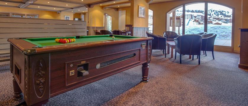 France_LaPlagne_Hotel-Vancouver_billiards.jpg